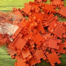 קליקס אדום - חבילה של כ-70 חלקים