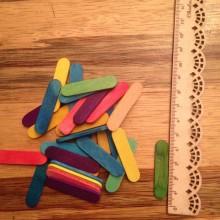 כ- 150 מיני מקלות ארטיק צבעוני