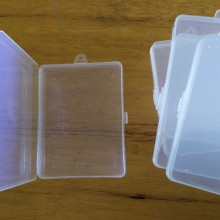 קופסת פלסטיק שקופה לקלפים
