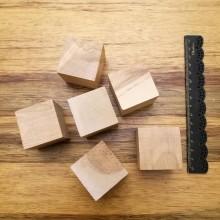 """6 קוביות עץ 4 ס""""מ צבע טבעי"""