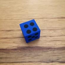 קוביית משחק מסול בצבע כחול