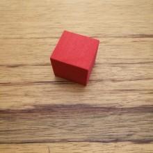 """קובייה """"אילמת"""" מסול צבע אדום"""